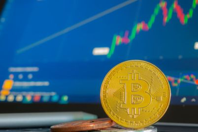 01_BTC-gold-coin-with-technical-indicator-1.jpg