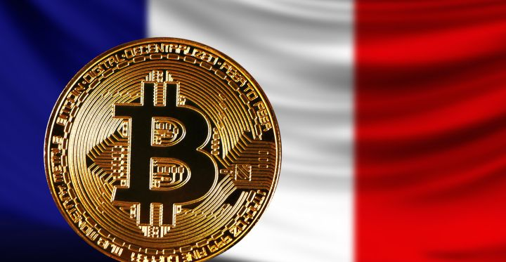 03_A-gold-Bitcoin-on-the-background-of-a-French-flag.jpg