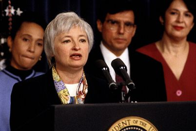 03_Janet-Yellen-at-a-conference.jpg