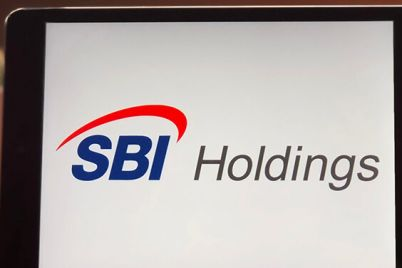 03_SBI-Holdings-company-icon-on-tablet-screen.jpg