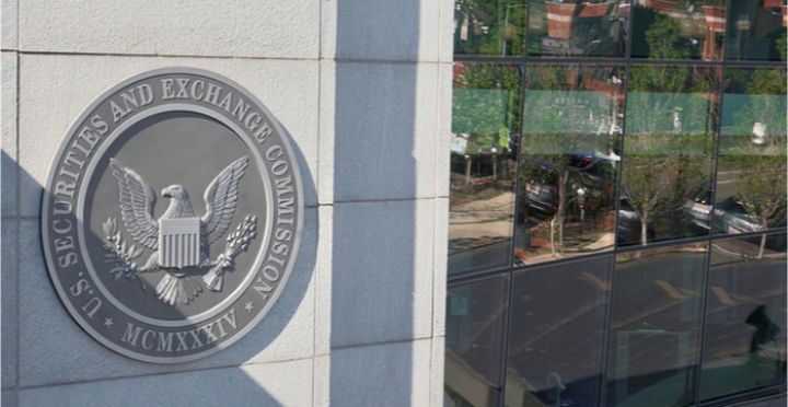 05_An-image-of-the-SEC-seal-at-the-headquarter-buildings.jpg