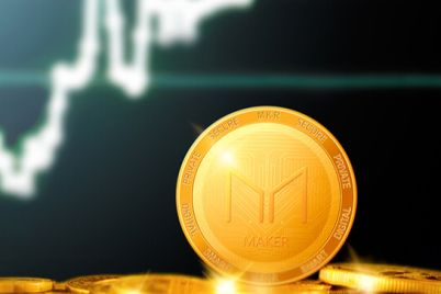 05_MKR-golden-coin-on-the-background-of-the-chart.jpg